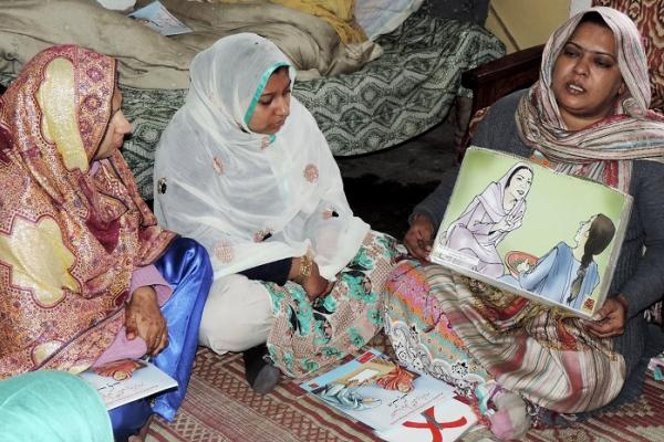 Pakistan's Kashf Foundation, which the Special Advocate visited during her trip to Pakistan in 2015, provides small businesswomen with financial education and business training to help build their success. Photo credit: Kashf Foundation