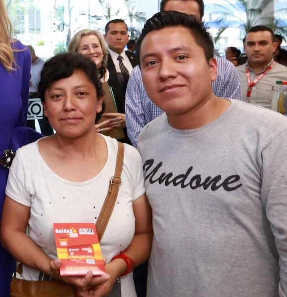 Maria Teresa Gaytan Lopez, who met the Special Advocate while opening her first bank account at an OXXO convenience store in Mexico City, with Oscar Osorio Martinez, a regular customer